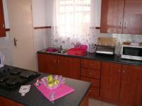 Kitchen - 8 square meters of property in Mountain View