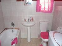 Bathroom 1 - 6 square meters of property in Mountain View