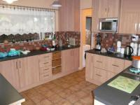 Kitchen - 34 square meters of property in Sinoville