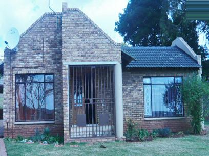 3 Bedroom House for Sale For Sale in Krugersdorp - Home Sell - MR21258