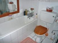 Main Bathroom - 2 square meters of property in Roseacre