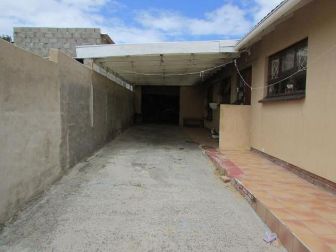Standard Bank EasySell 4 Bedroom House for Sale in East London - MR213179