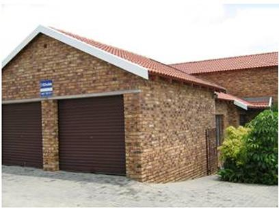 3 Bedroom Duplex for Sale For Sale in Radiokop - Home Sell - MR21327