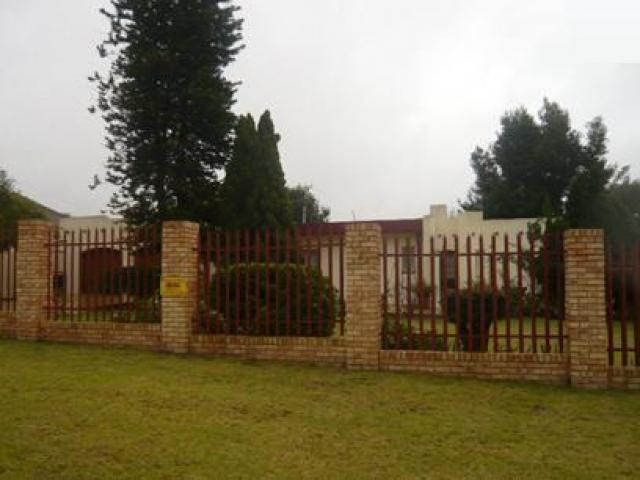 3 Bedroom House for Sale For Sale in Benoni - Private Sale - MR21364