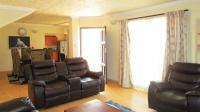 Lounges - 27 square meters of property in Silverton