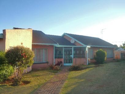 5 Bedroom House For Sale in Lenasia - Private Sale - MR21403