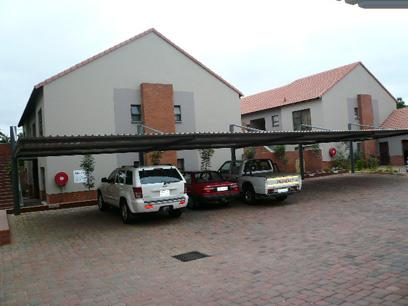 2 Bedroom Simplex For Sale in Waterkloof - Home Sell - MR21429