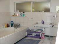 Bathroom 1 - 3 square meters of property in Oostersee