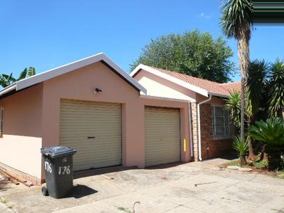 3 Bedroom House For Sale in Doornpoort - Home Sell - MR21437