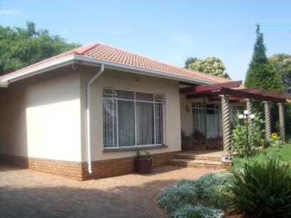 Standard Bank Repossessed 4 Bedroom House for Sale For Sale in Randfontein - MR21442