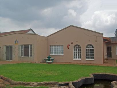 Standard Bank Repossessed 3 Bedroom House For Sale in Krugersdorp - MR21444