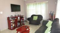 Lounges - 16 square meters of property in Parkrand