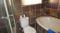Bathroom 1 - 4 square meters of property in Parkrand