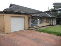 3 Bedroom 2 Bathroom in Brackenhurst
