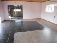 Lounges - 26 square meters of property in Brackenhurst