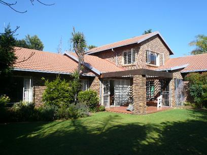 4 Bedroom House For Sale in Garsfontein - Private Sale - MR21481