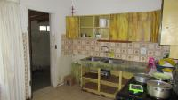 Kitchen - 16 square meters of property in Bromhof