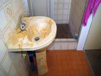 Bathroom 1 - 4 square meters of property in Shallcross