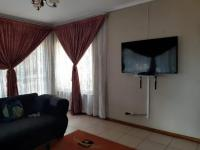 Lounges - 19 square meters of property in Ennerdale