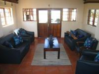 Lounges - 76 square meters of property in Kameeldrift