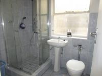 Bathroom 1 - 5 square meters of property in Florida Lake