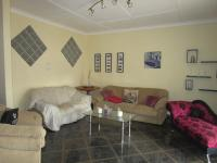 Lounges - 21 square meters of property in Kenmare