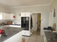 Kitchen - 28 square meters of property in Kenmare