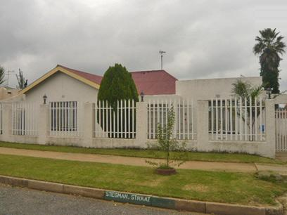 3 Bedroom House for Sale For Sale in Krugersdorp - Private Sale - MR22334
