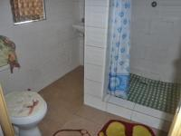 Bathroom 1 - 3 square meters of property in Krugersdorp