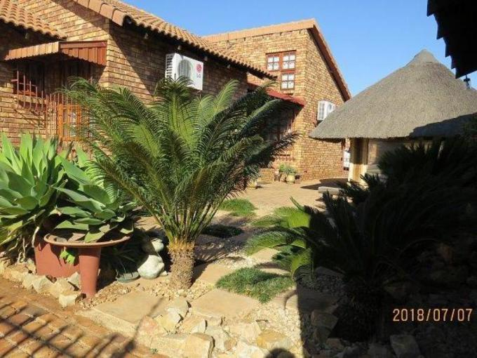 3 Bedroom House for Sale For Sale in Clubview - MR223633