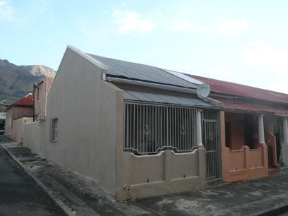 3 Bedroom House For Sale in Zonnebloem - Home Sell - MR22375