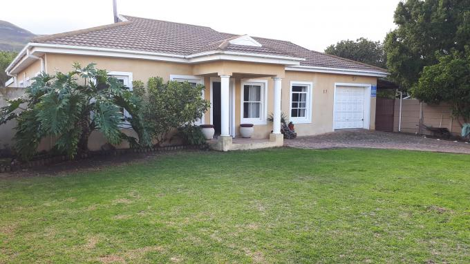 3 Bedroom House for Sale For Sale in Hermanus - Private Sale - MR223792
