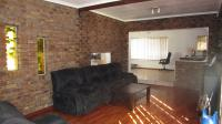 Lounges - 30 square meters of property in Dersley