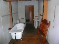 Bathroom 1 - 6 square meters of property in Hartbeespoort