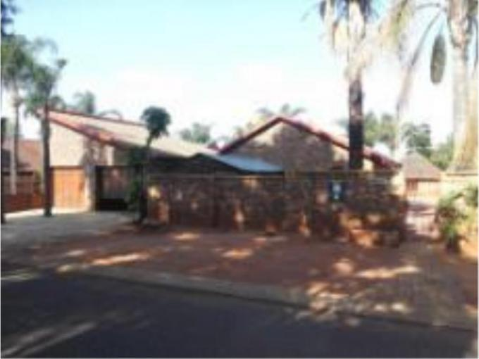 3 Bedroom House for Sale For Sale in The Orchards - MR225370