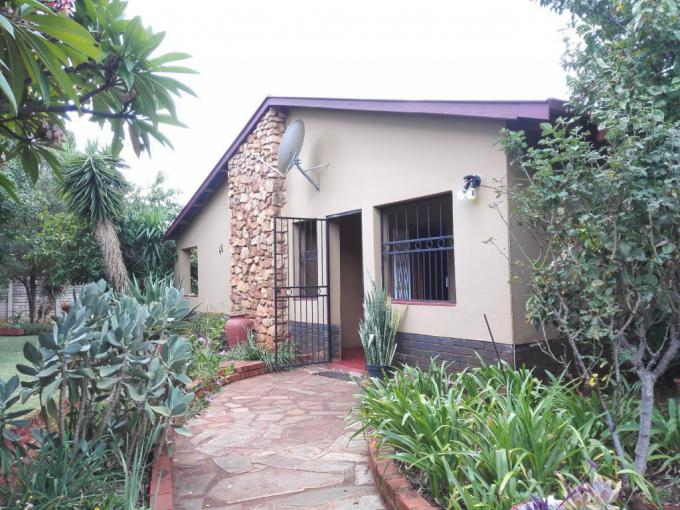 4 Bedroom House for Sale For Sale in The Orchards - MR225386