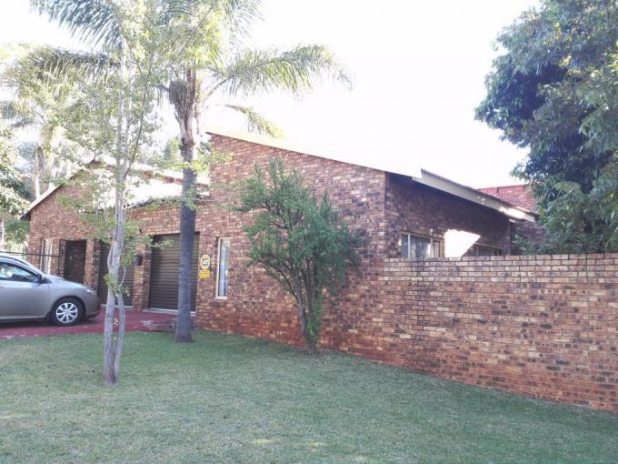 3 Bedroom House for Sale For Sale in Florauna - MR225407