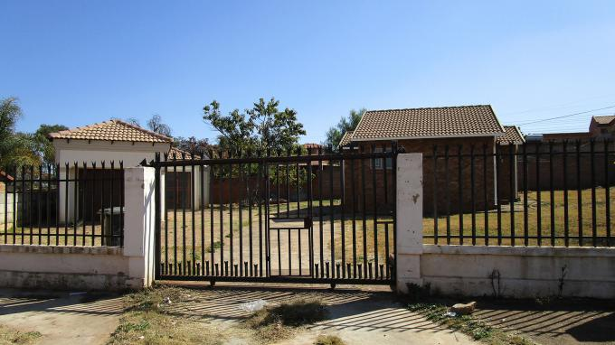 Standard Bank EasySell House for Sale For Sale in Philip Nel Park - MR226363