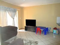 Lounges - 23 square meters of property in Willowbrook