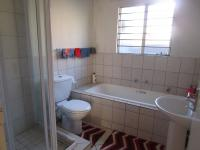 Bathroom 1 - 7 square meters of property in Willowbrook