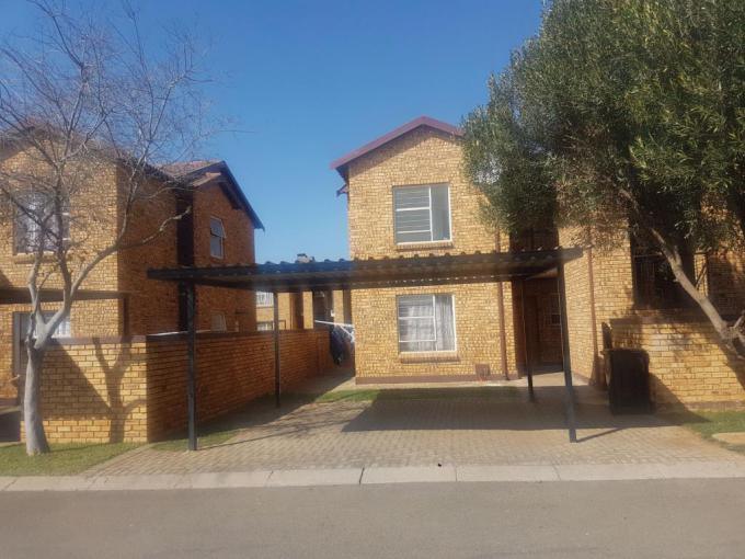2 Bedroom Apartment for Sale For Sale in Roodepoort - MR227021