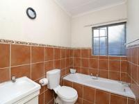 Bathroom 1 - 6 square meters of property in Northgate (JHB)