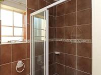 Main Bathroom - 4 square meters of property in Northgate (JHB)