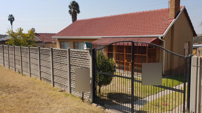 Standard Bank EasySell 3 Bedroom Cluster for Sale For Sale in Birchleigh - MR227257