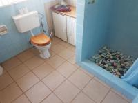 Main Bathroom - 5 square meters of property in Birchleigh