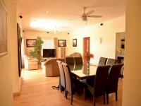Dining Room of property in Somerset West