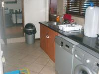 Kitchen - 18 square meters of property in Ninapark