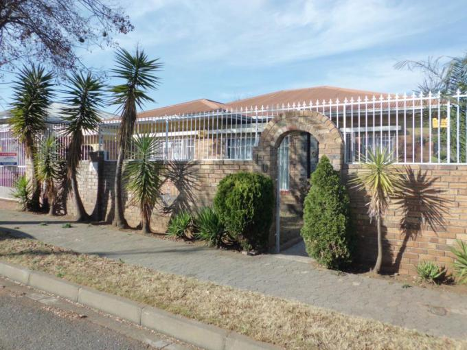 3 Bedroom House for Sale For Sale in Rosettenville - MR229529