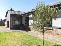 3 Bedroom 2 Bathroom House for Sale for sale in Heuwelsig Estate