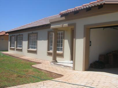 3 Bedroom House For Sale in Doornpoort - Home Sell - MR23098